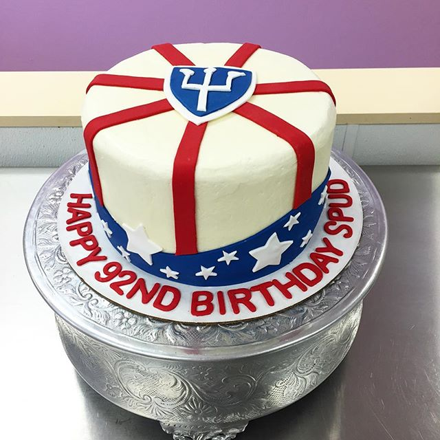 #goldiesgoodiesbakery #tampa #bakery #custom #cake #92nd #birthday #america #americanflag #infantry