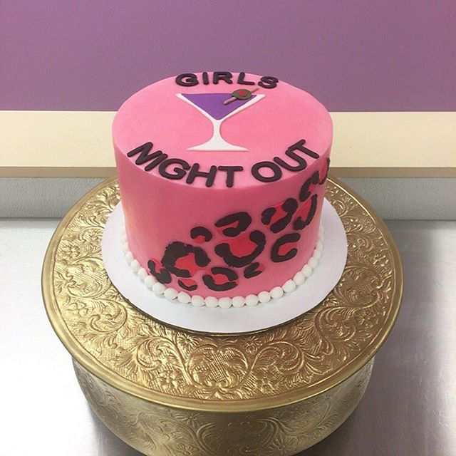 Girls night out! #bacheloretteparty #goldiesgoodiesbakery #tampa #custom #cake #cheetahprint #martin