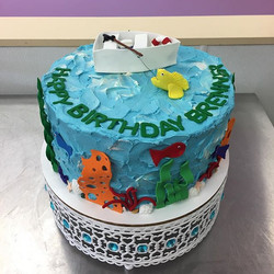 Seas the day! #goldiesgoodiesbakery #fishing #birthdaycake #cakesofinstagram #cake #underwater #butt