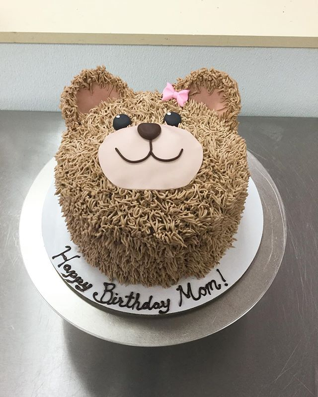 Cute and delicious! #goldiesgoodiesbakery #teddybear #cute #custom #birthday #cake #bakery #tampa