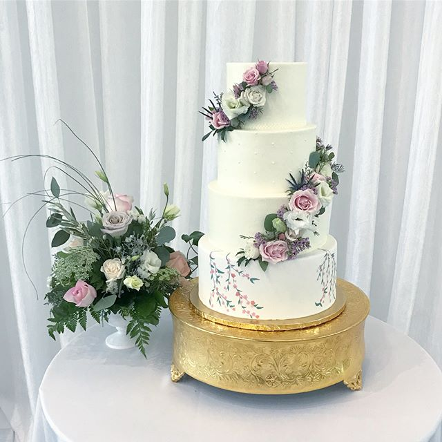Wedding cake Wednesday! Hand painted wax