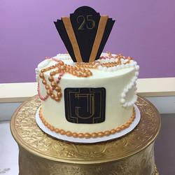 25th birthday cake for _jennalynne3 #goldiesgoodiesbakery #tampa #bakery #custom #birthday #cake #ea