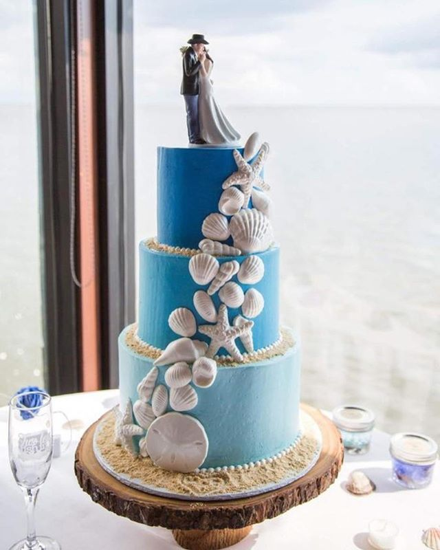Gorgeous beach wedding at _rustypelicant