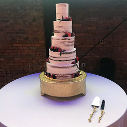 Another #weddingcakewednesday coming at