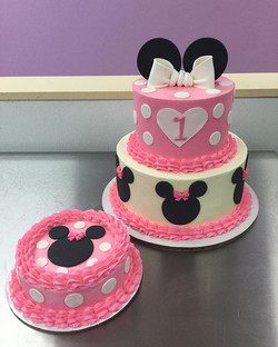 Adorable Minnie Mouse Cake and smash cake