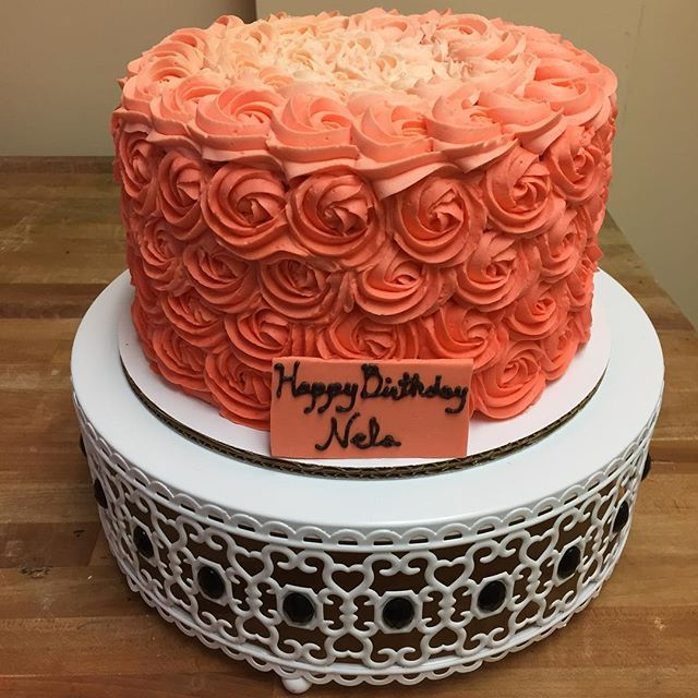 Coral ombré rosette cake #goldiesgoodiesbakery #rosettes #buttercream #ombre #coral #birthday #cake