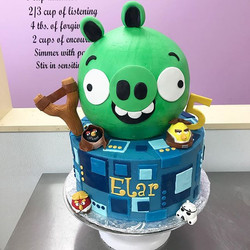 Star Wars Angry Birds cake! Both tiers iced in buttercream with fondant accents. Vanilla cake with s