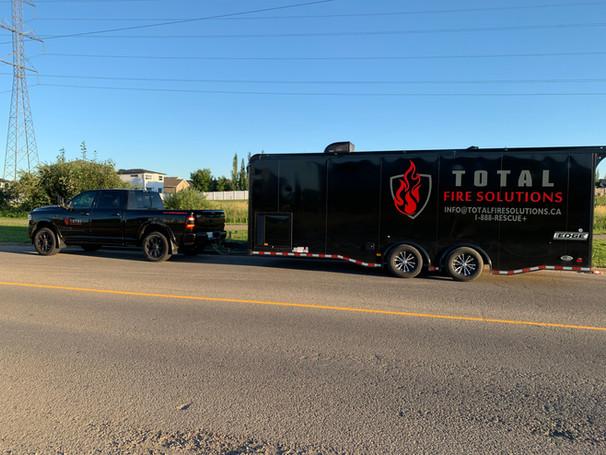 Mobile equipment issuing trailer