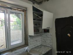 Кухня с крашенными фасадами.