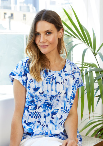 Jump Button Back Hibiscus Floral Top