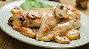 pollo-a-la-parmesana-en-salsa-de-champin