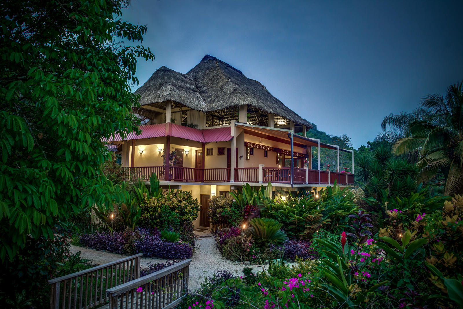 Sleeping-Giant-Rainforest-Lodge-Belize1
