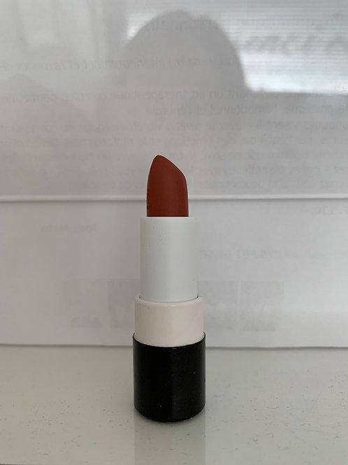 Rouge à lèvre 149 look red night édition limitée