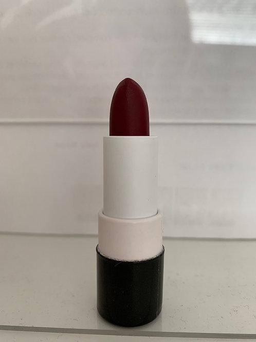 Rouge à lèvre 151 look red night édition limitée