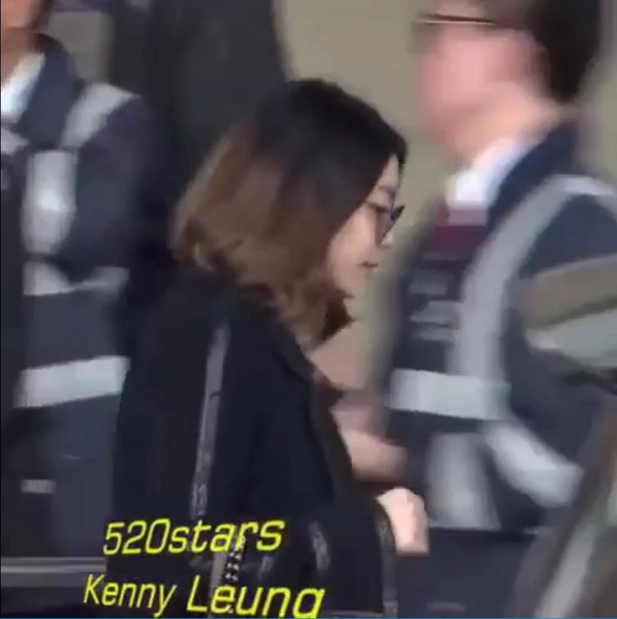 마마콘서트를 위해 홍콩으로 입국하는 가수 에일리