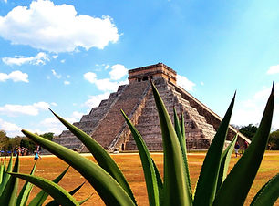 El Castillo and famous Mayan monument Ch