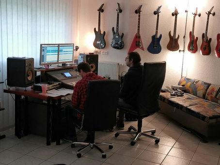 Paradox Community in a studio???