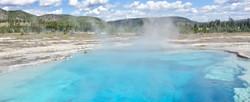 SapphirePool_Yellowstone_RoadrunnerExped