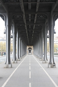 Pont de Bir-Hakeim, Paris, France