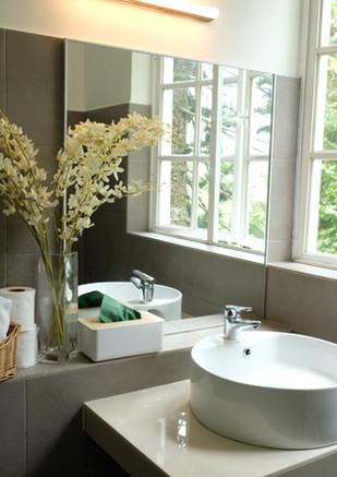Acacia Bathroom.JPG