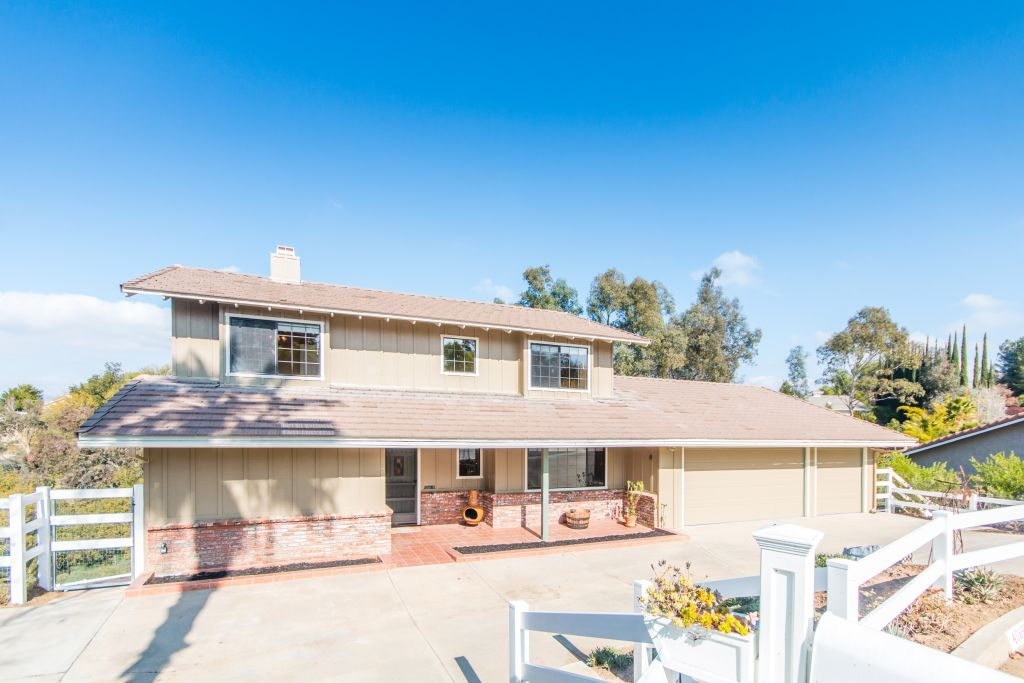 40899 Via Los Altos-ext-15