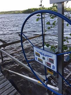 boat lift 1.JPG