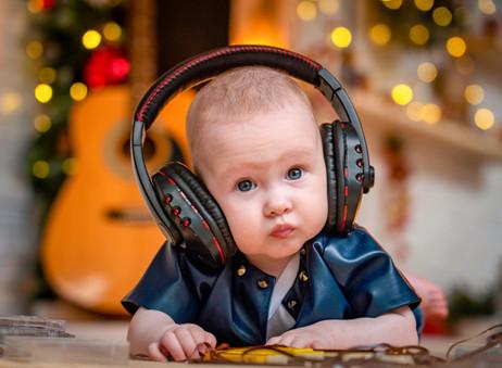 La música y los niños: los beneficios de la estimulación musical.