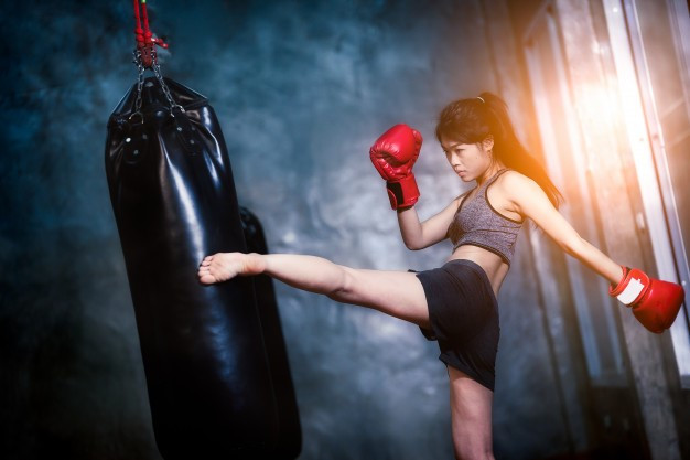 kiero.co te ofrece una variedad de implementos para que comiences a practicar Kick Boxing.