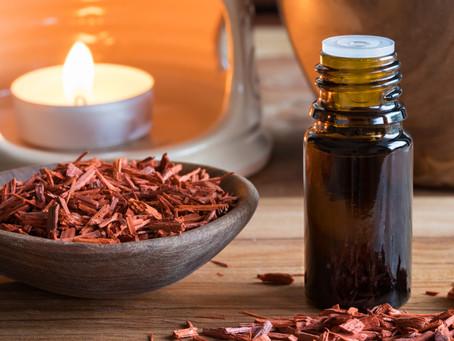Aceite esencial de sándalo y sus propiedades.