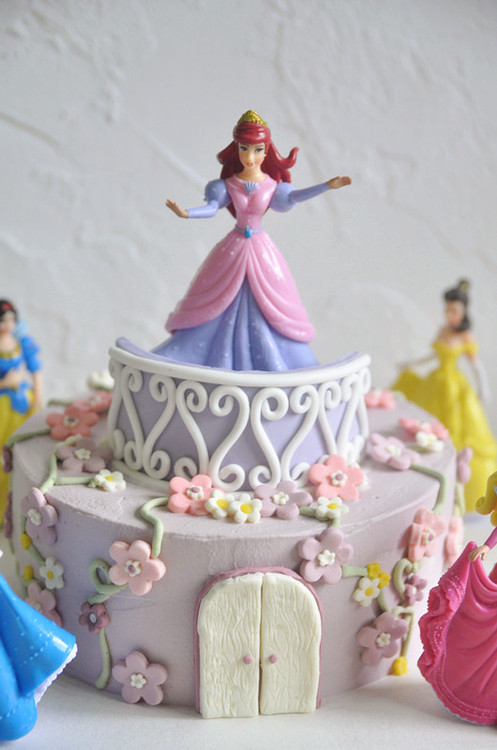 8 Inch Disney Princess Birthday Cake