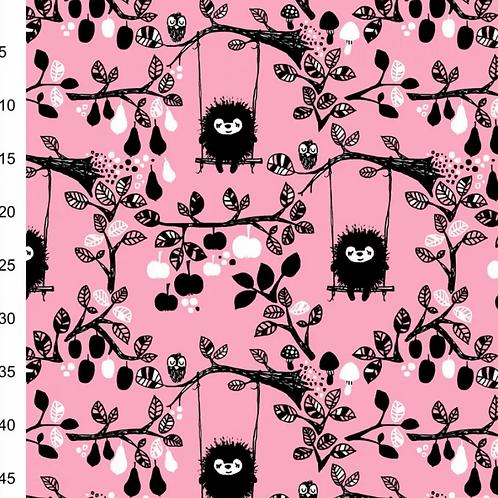 jersey-matière-hérisson-noir-sur-tissu-rose-tissu-vente-aux-ateliers-dyvonne-a-kerlouan