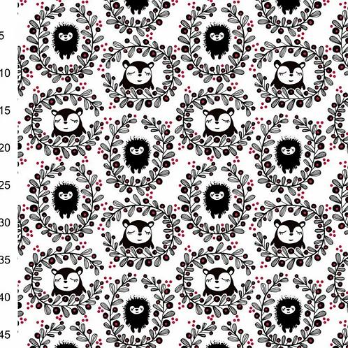 jersey-matière-hérisson-ours-et-couronne-de-fleurs-sur-tissu-blanc-tissu-en-vente-a-kerlouan-aux-teliers-dyvonne