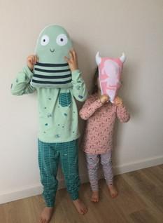 Ensemble pyjama et coussins