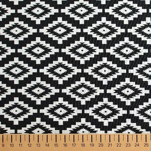 tissu-en-matière-jersey-noir-et-blanc-design-ethnique-en-vente-aux-ateliers-dyvonne-a-kerlouan