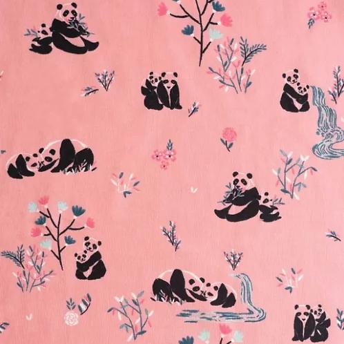 tissu-sweat-pandas-sur-tissu-rose-en-vente-aux-ateliers-dyvonne-a-kerlouan