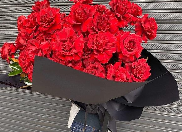 Premium rose bouquet (48 or 100 stems)