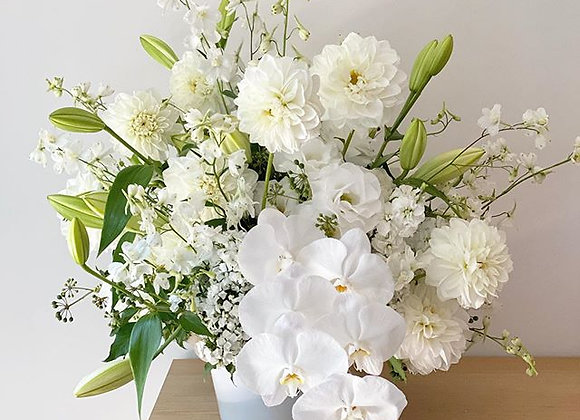 Large floral arrangement for any special occasions