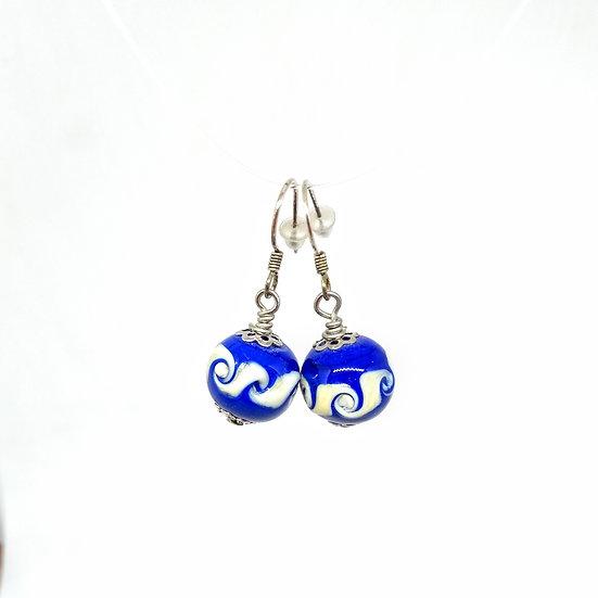 Boucles d'oreilles spirales bleue