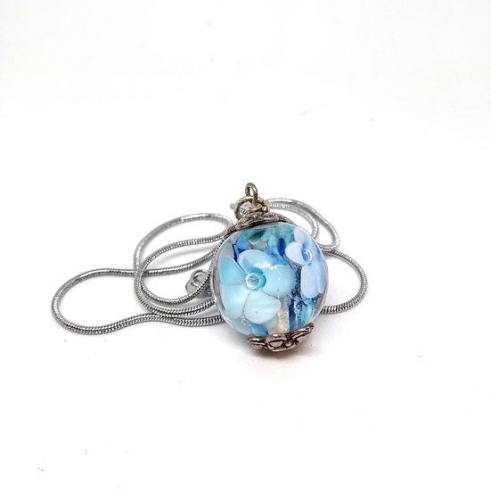 Pendentif fleur bleue