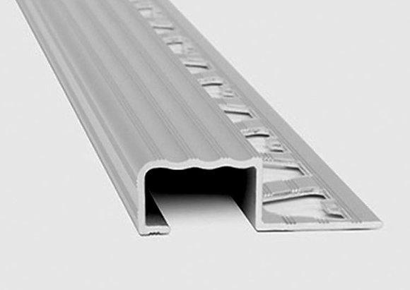 Perfil en aluminio protector de escalón