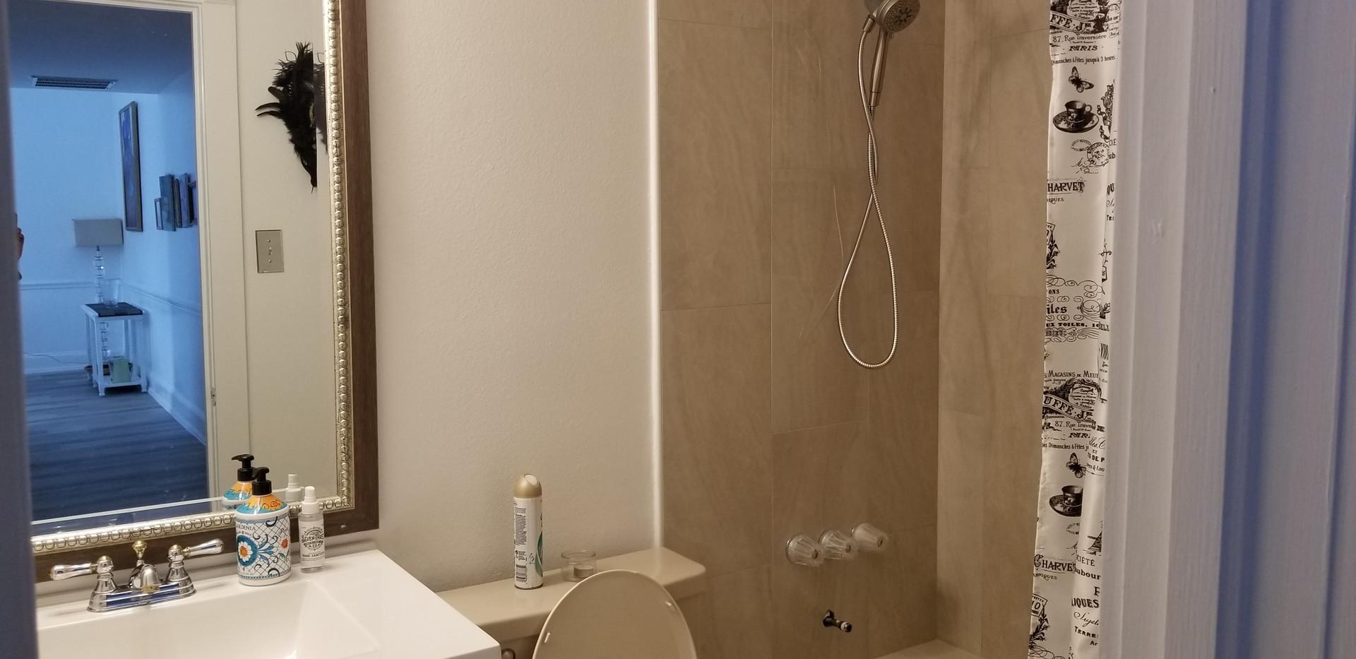 3 - Bathroom 2.jpg