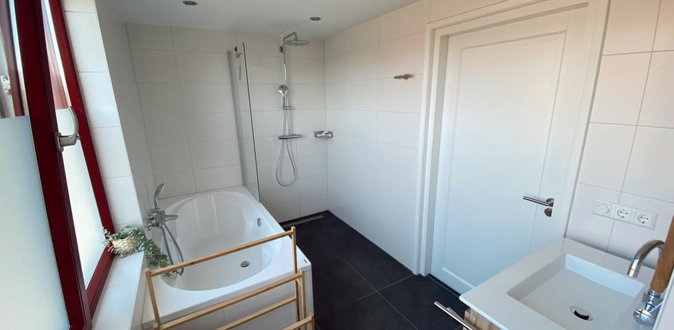 Badkamer boven 1.jpeg