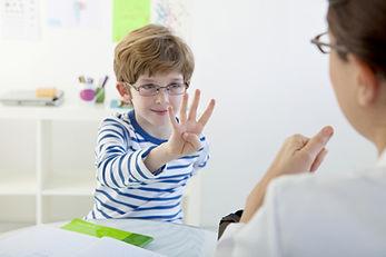 Dziecko w terapii mowy