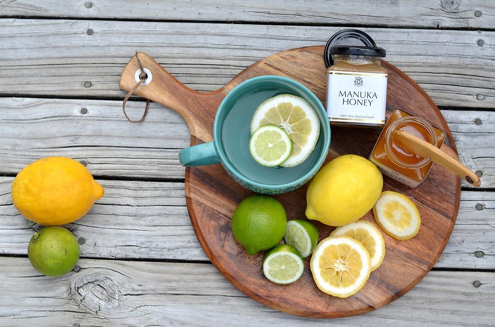 アピビーのマヌカハニーとレモン白湯