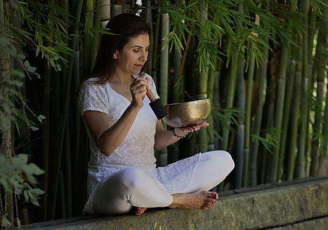 Himalayan Tibetan Singing Bowl Therapist since 2011 after studying under Suren Shrestha – Master and Teacher of Sound Healing and founder of the Atma Buti School