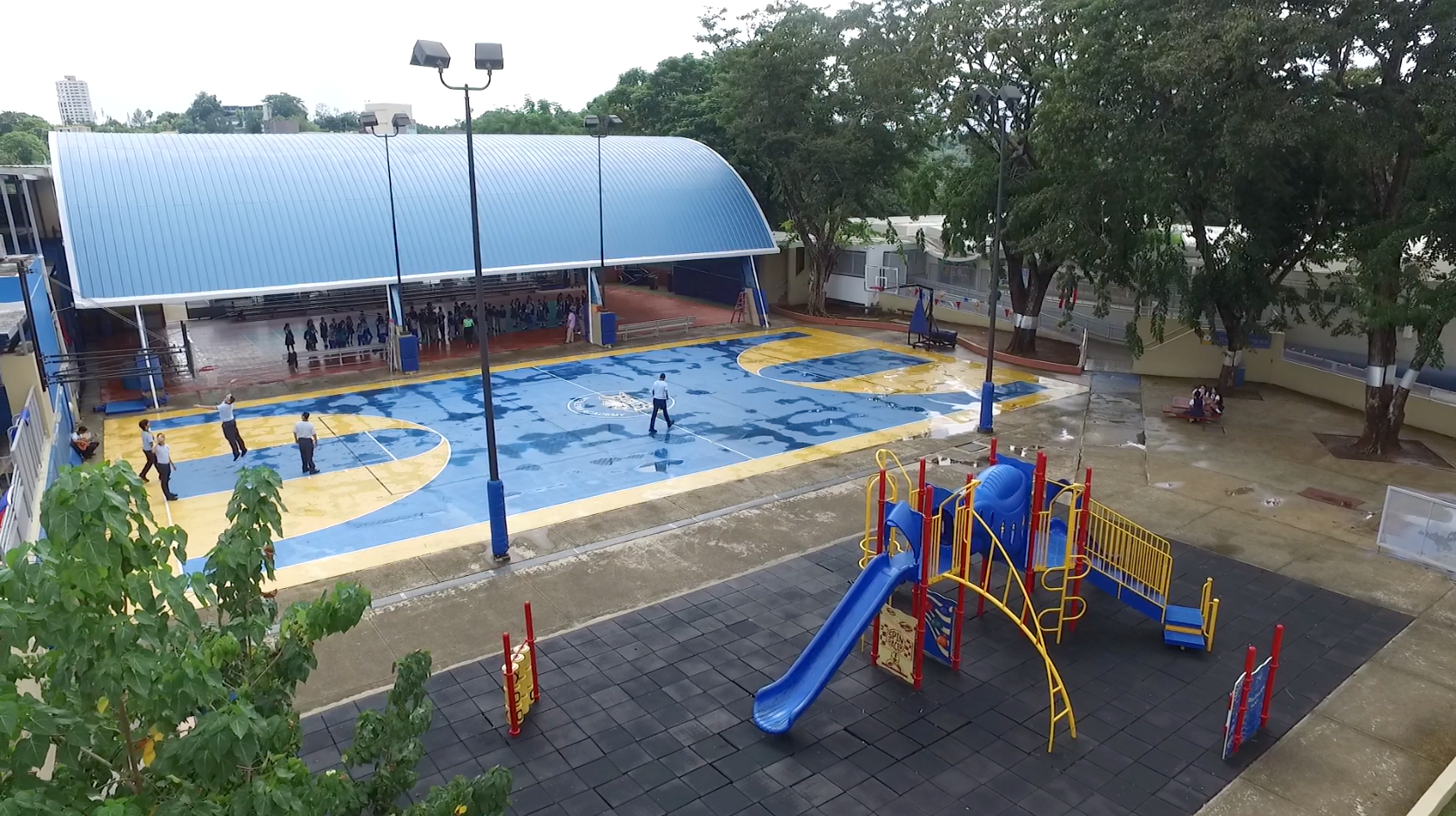 Aerial outdoor courts