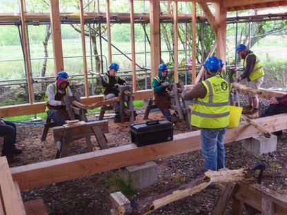 Teaching traditional building method