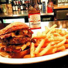 Burger pm_edited.jpg