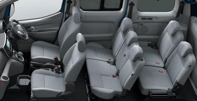 e-NV200 電動七人車採用 2+3+2 座位設計。
