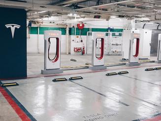 Tesla Supercharger 東涌東薈城超級充電站啟用